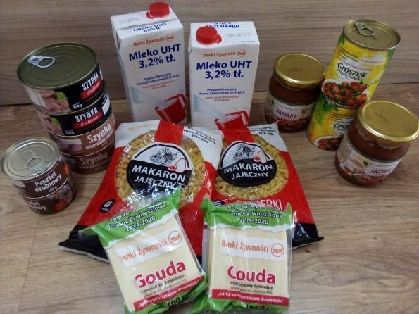 foto z aktualności - Paczki żywnościowe dla najbardziej potrzebujących